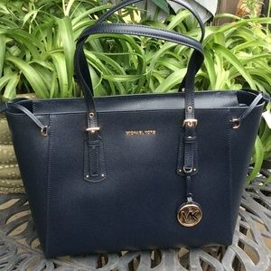 MICHAEL KORS LOVELY LARGE TOTE        NWT
